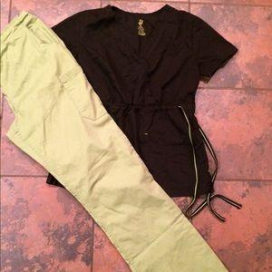 Pants - Nice scrub pants & top set size medium